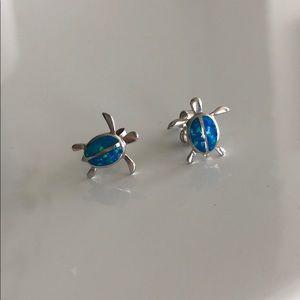 925. Silver turtle earrings